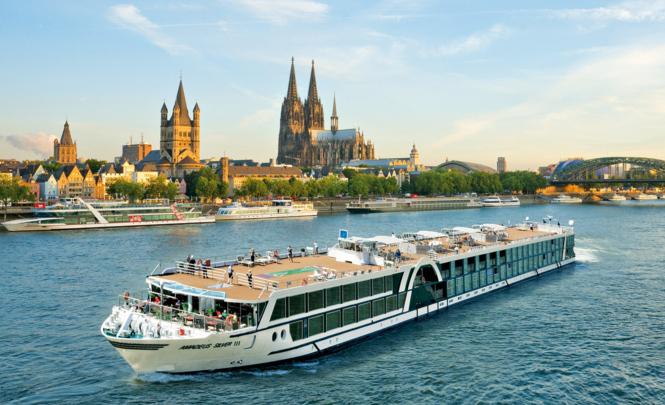 Die Musik- und Genussreise an Bord der «MS Amadeus Silver III», hier auf dem Rhein vor Köln, bietet nicht nur interessante Ausflüge und fetzige Unterhaltung, sondern auch beste Erholung und Luxus pur.