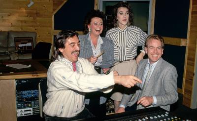 Nach ihrem Sieg 1988 besuchte Urs P. Keller (r.) Céline mit Nella und Attila in Kanada.