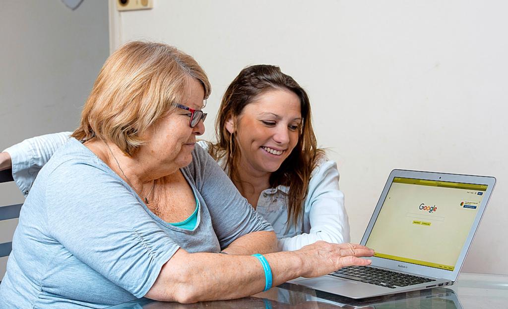 Angels Mama suchte hartnäckig im Internet, bis sie eine Lösung fand.