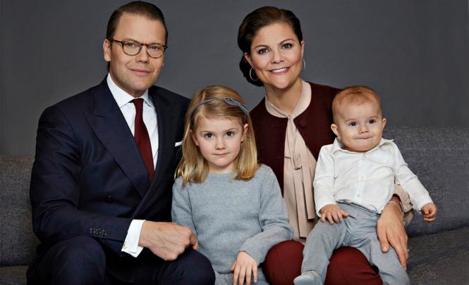 Eine Familie wie aus dem Bilderbuch: Kronprinzessin Victoria und Prinz Daniel mit Estelle und Oscar.