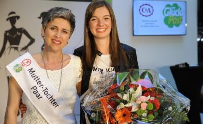 Karin (46) und Jana (17) Meichtry aus Grächen durften sich als Siegerinnen feiern lassen.