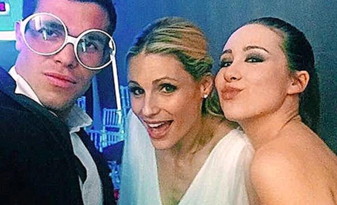 In Feierlaune: Michelle Hunziker (M.) lud Auroras Freund Goffredo zu ihrem Geburtstagsfest ein.